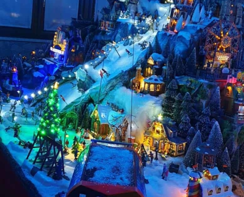lemax-christmas-village