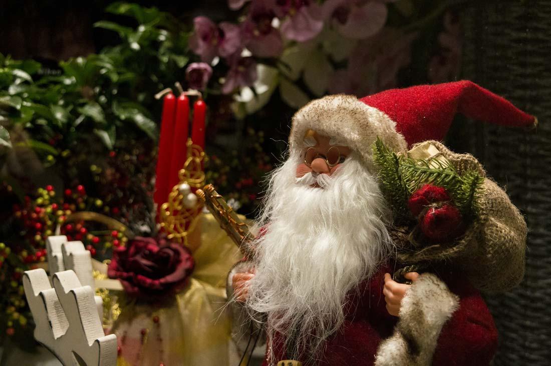 Regali Di Babbo Natale.Quando Aprire I Regali Di Natale Christmasvillageworld Com